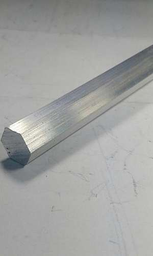 Alumínio sextavado cortado