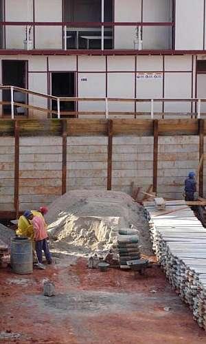 Cortina de contenção em concreto armado