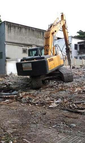 Demolição de concreto armado